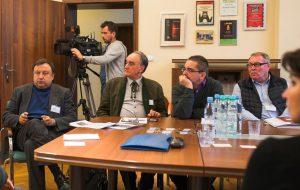 Pierwszy z lewej - Mykoła Kniażyckyj, deputowany Rady Najwyższej Ukrainy, szef Komisji Kultury i Mediów